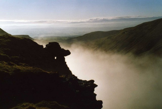 File:Cloud inversion High Cup Scar - geograph.org.uk - 617810.jpg