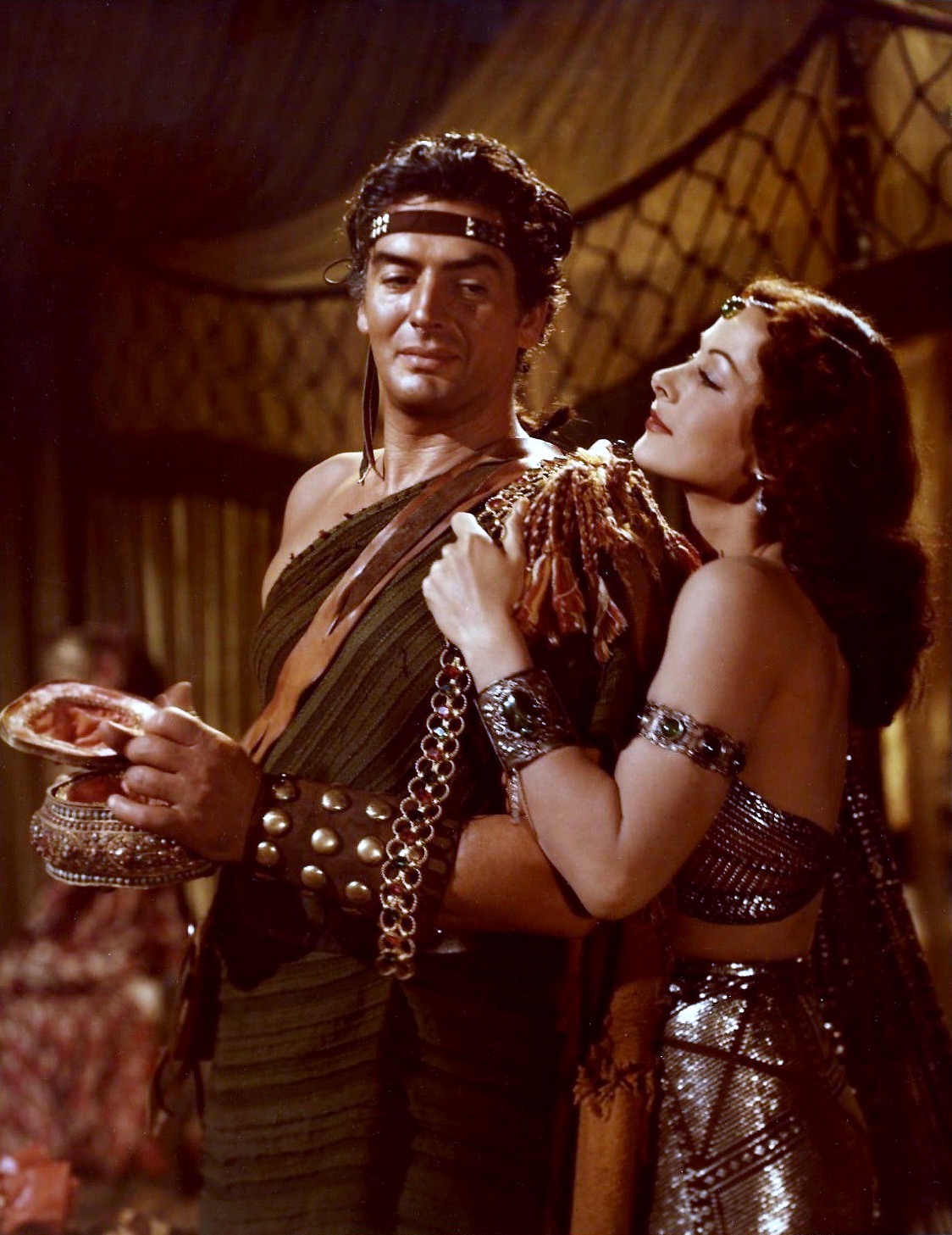 [Image: Color_photograph_of_Victor_Mature_and_He...elilah.jpg]