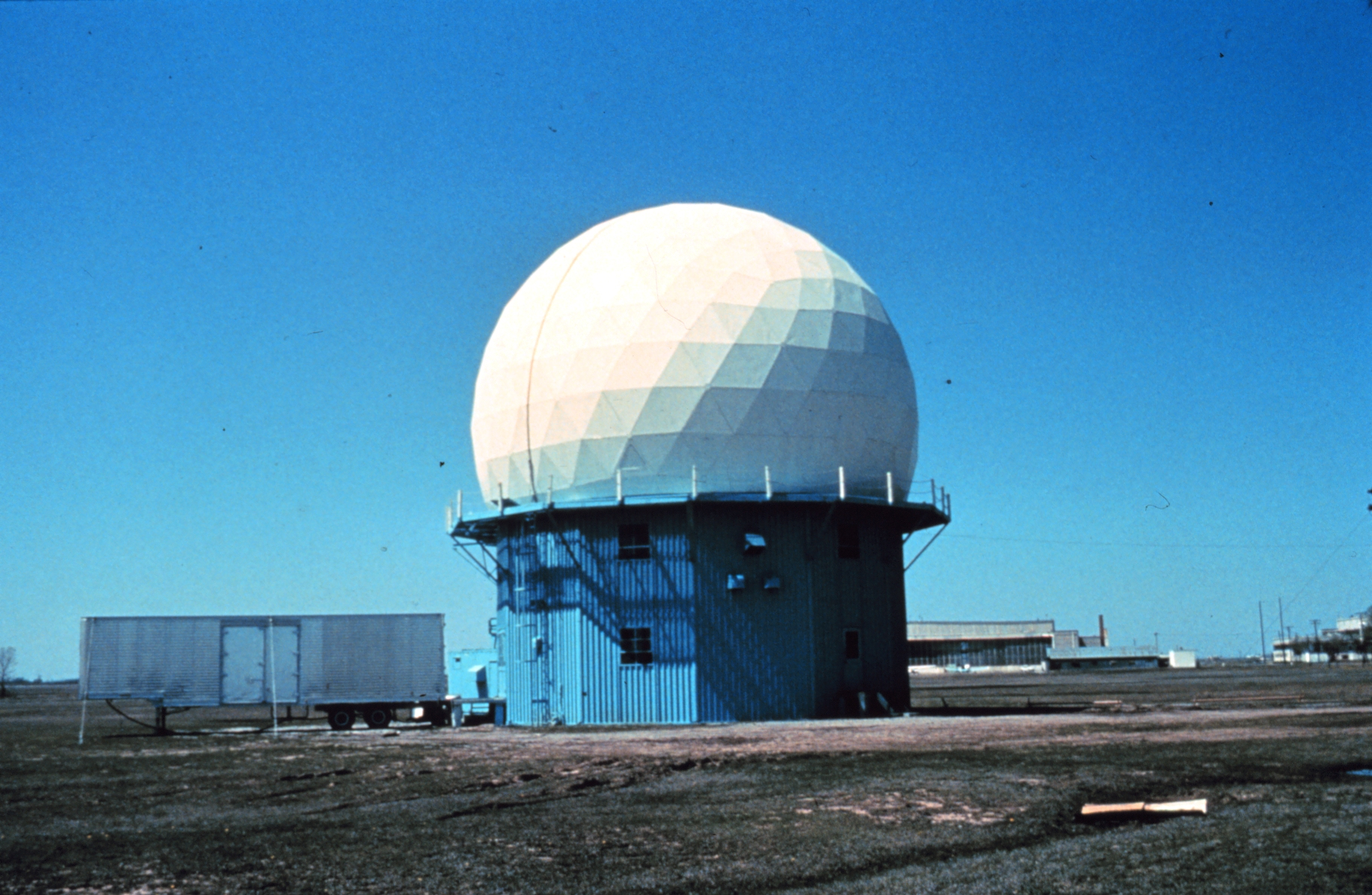 File:Doppler Weather Radar   NOAA.   Wikimedia Commons