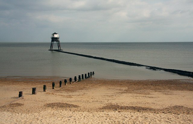 Dovercourt low lighthouse and groyne - geograph.org.uk - 748823