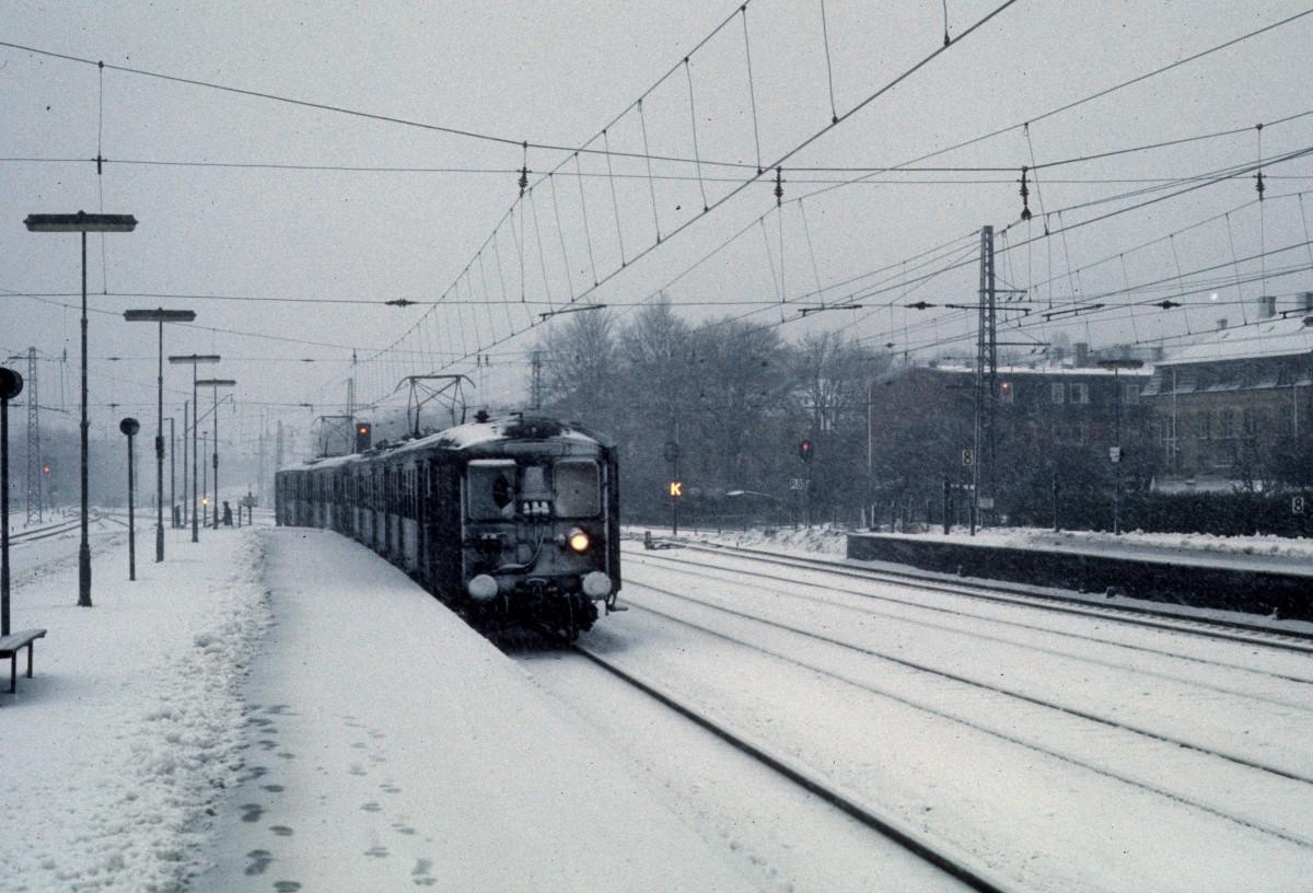 File:Dsb-s-bahn-kopenhagen-linie-f-748776.jpg - Wikimedia Commons