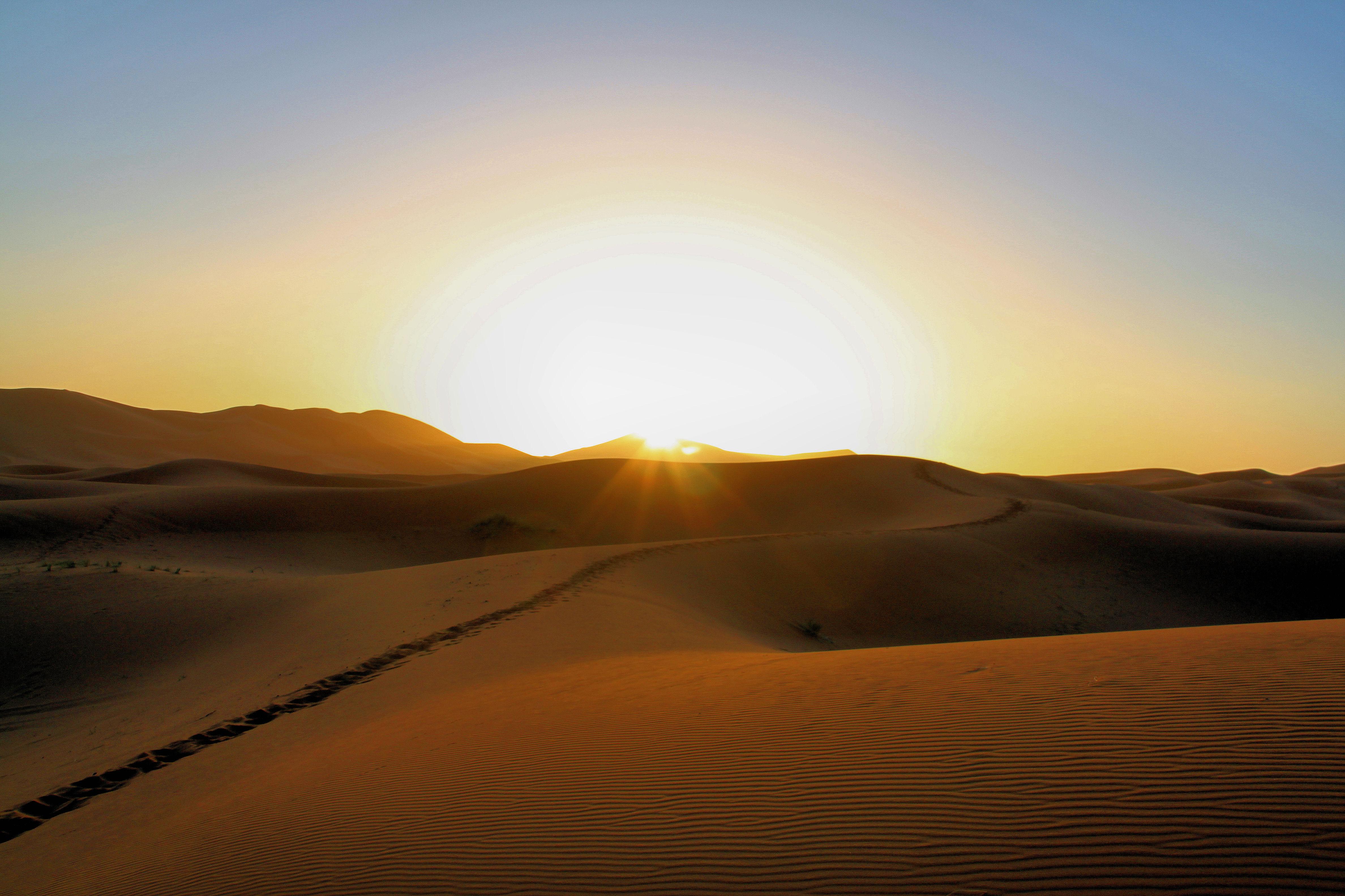 File:Erg Chebbi Sunrise LL.JPG - Wikimedia ...