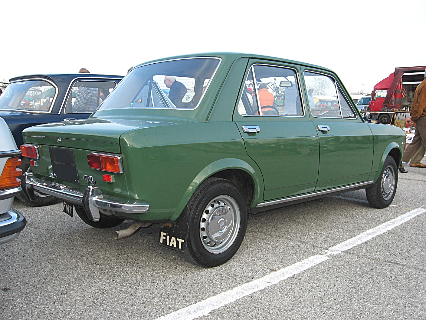 file fiat 128 sedan 4dr 1969 rear view jpg wikimedia commons. Black Bedroom Furniture Sets. Home Design Ideas
