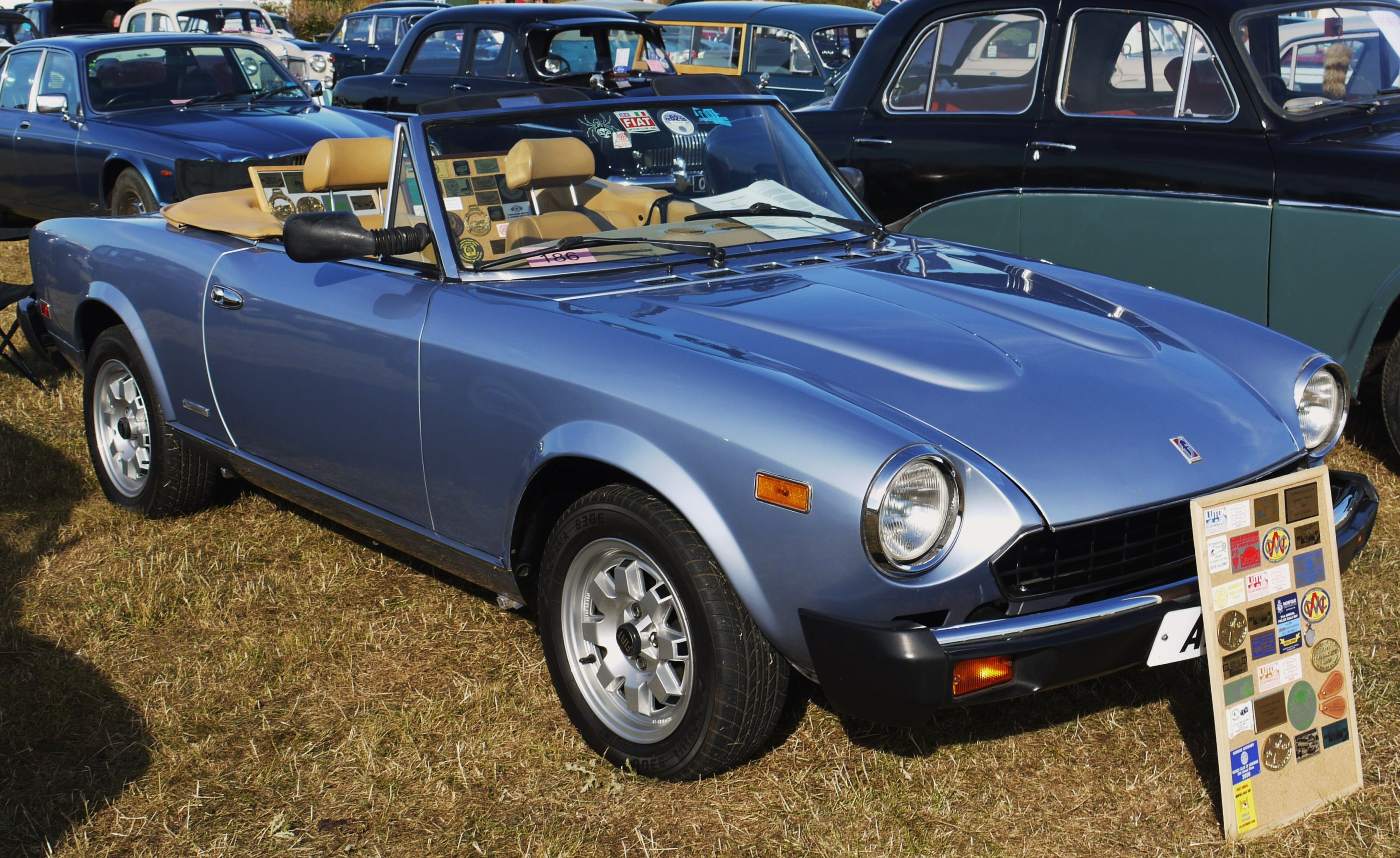 Fiat_Spider_-_Flickr_-_mick_-_Lumix.jpg