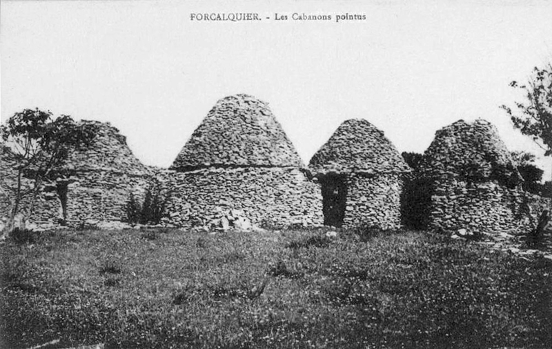 File:Forcalquier les cabanons po.jpg