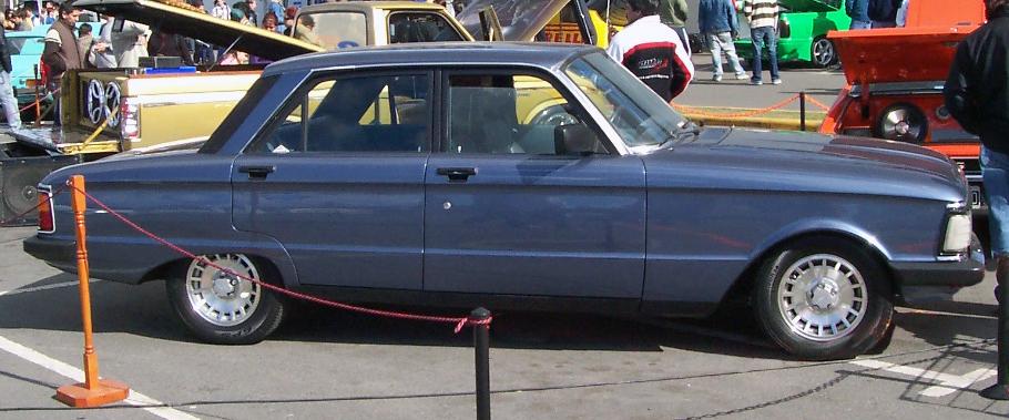 File Ford Falcon Ghia Argentina late