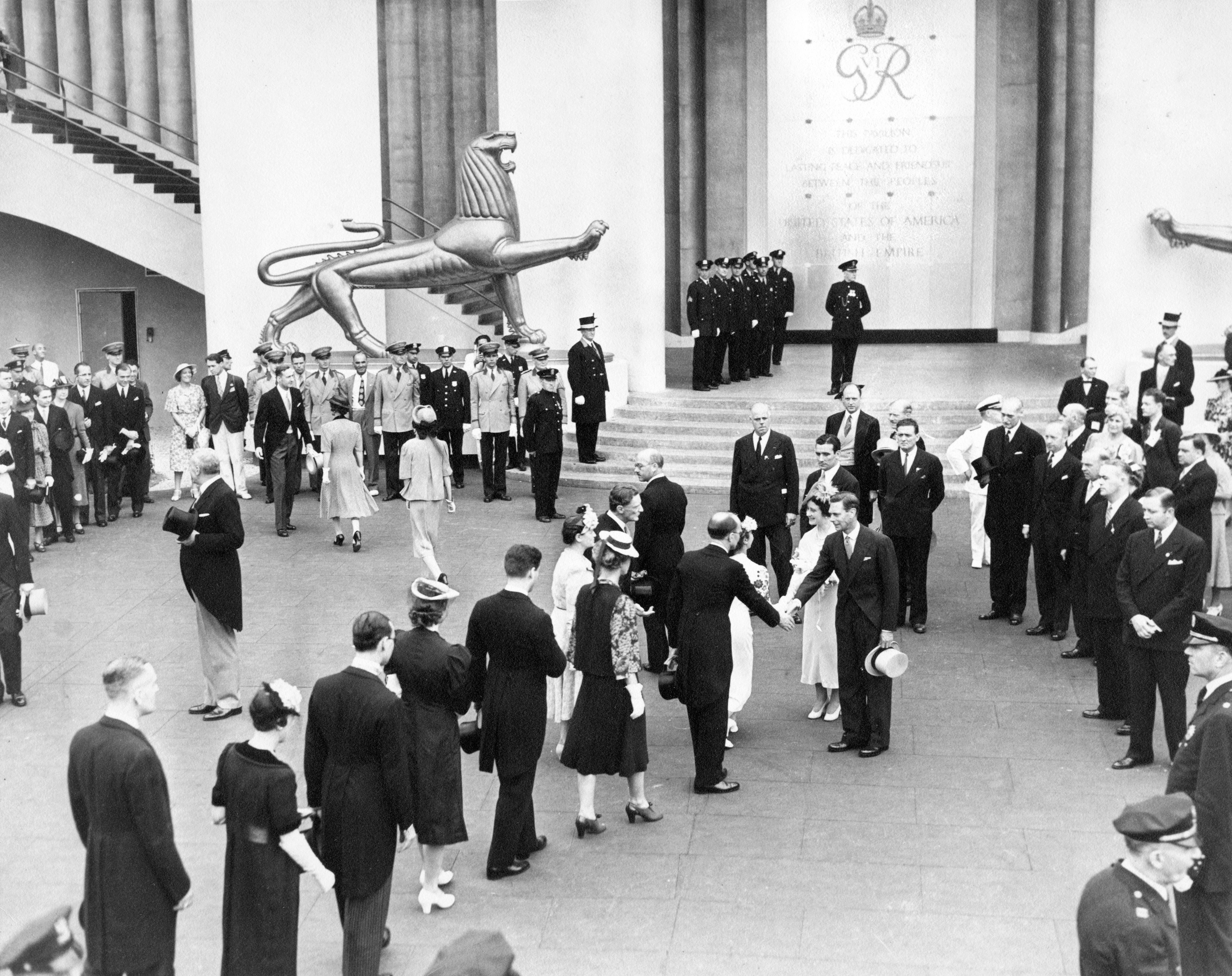 George-VI-NY-Worlds-Fair-June-10-1939.jpg