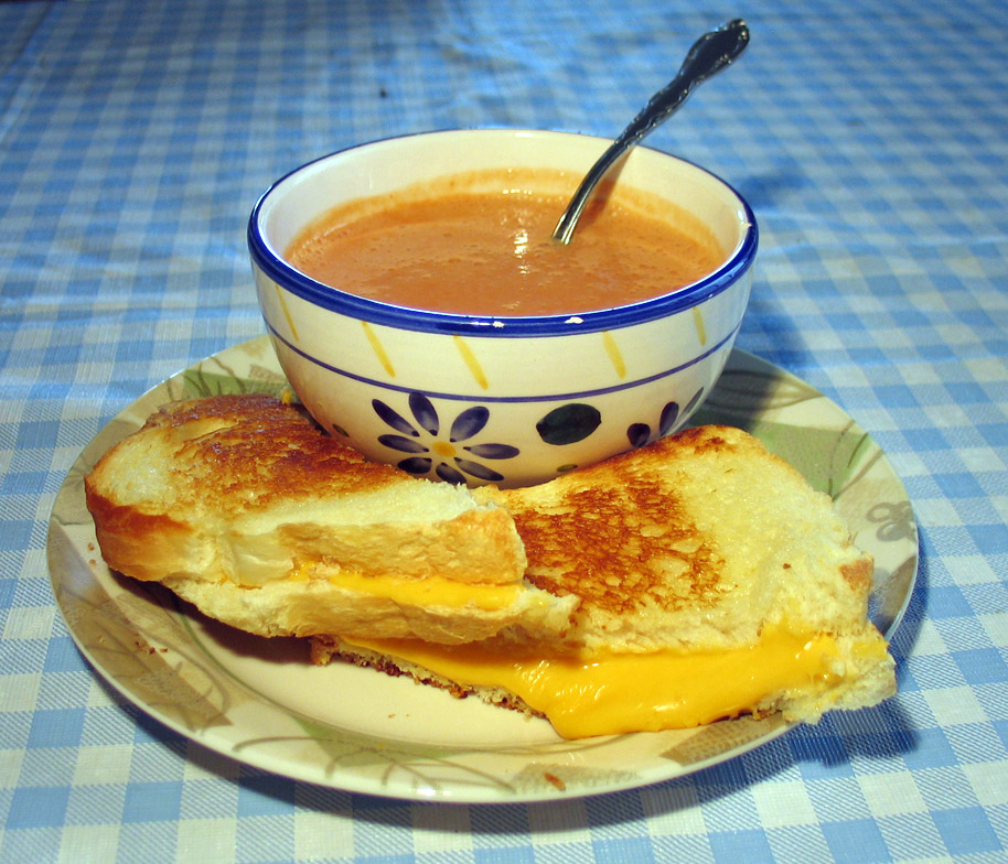 File:Grilled cheese with soup.jpg - Wikimedia Commons