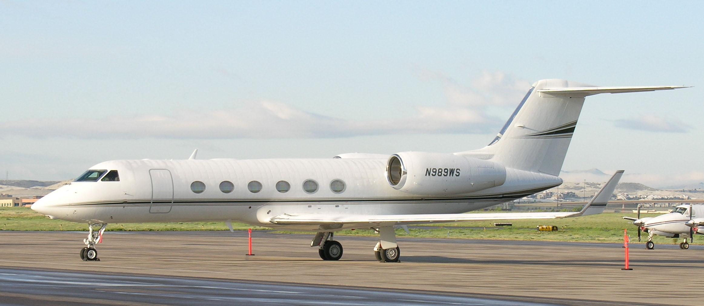 File:Gulfstream IV (N989WS).jpg - Wikimedia Commons Tom Cruise