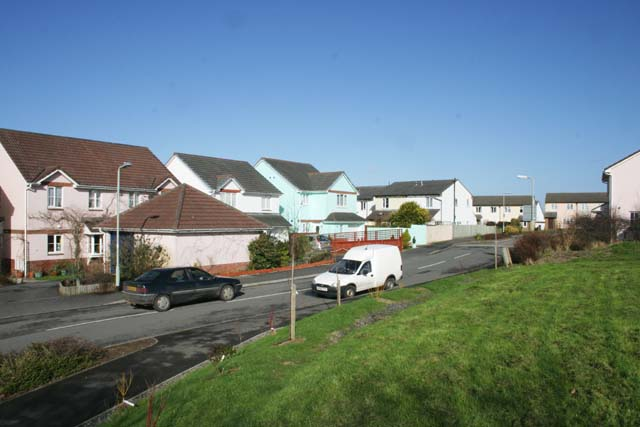 File:Housing Estate in High Bickington - geograph.org.uk - 338256.jpg