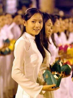 Vietnamietė, dėvinti áo dài