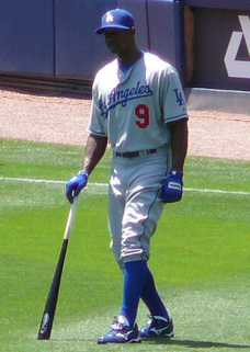 Juan Pierre, Philadelphia Phillies outfielder, pro contributor of Free pro baseball instruction for Pro Baseball Insider.com