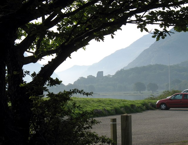 Lakeside car park at Llanberis - geograph.org.uk - 800699