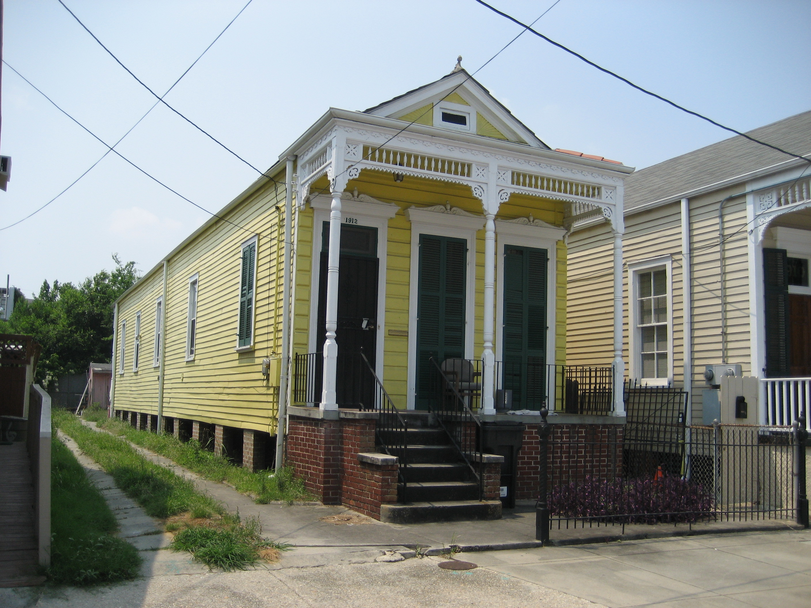 File wikimedia for New orleans shotgun house plans