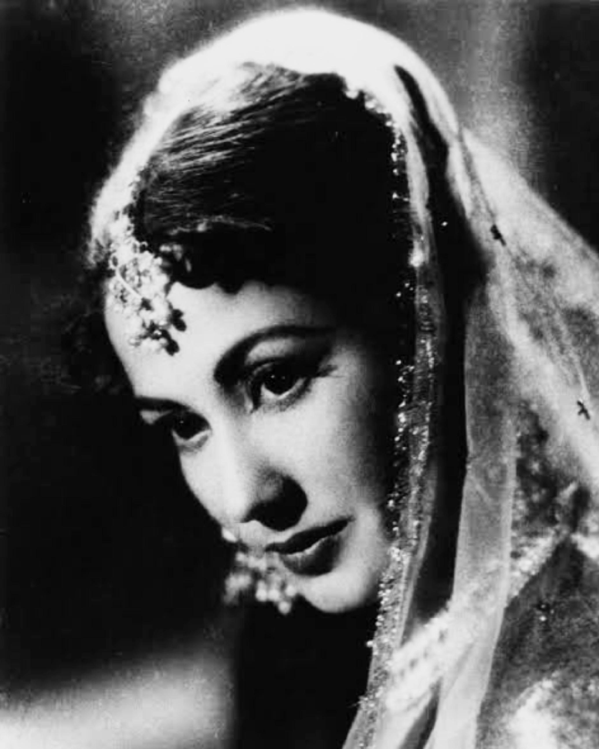 Meena Kumari - Wikipedia