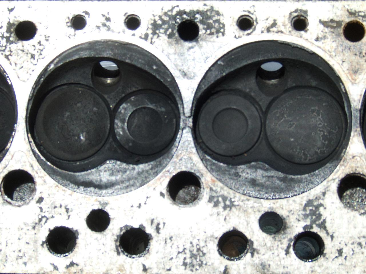 File:Morris Marina Blown head gasket.jpg - Wikimedia Commons