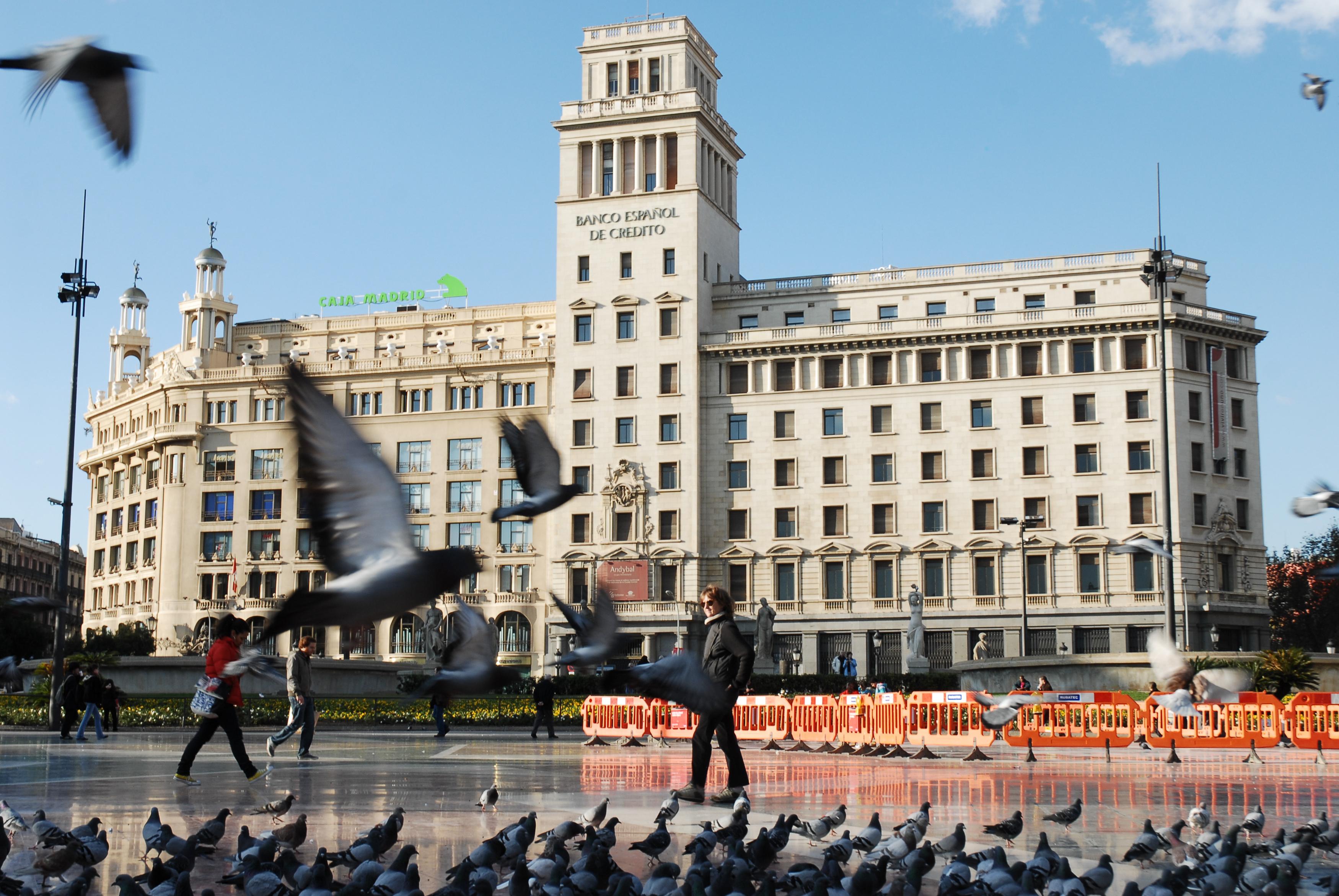 file national credit bank building in plaza catalunya barcelona catalonia. Black Bedroom Furniture Sets. Home Design Ideas