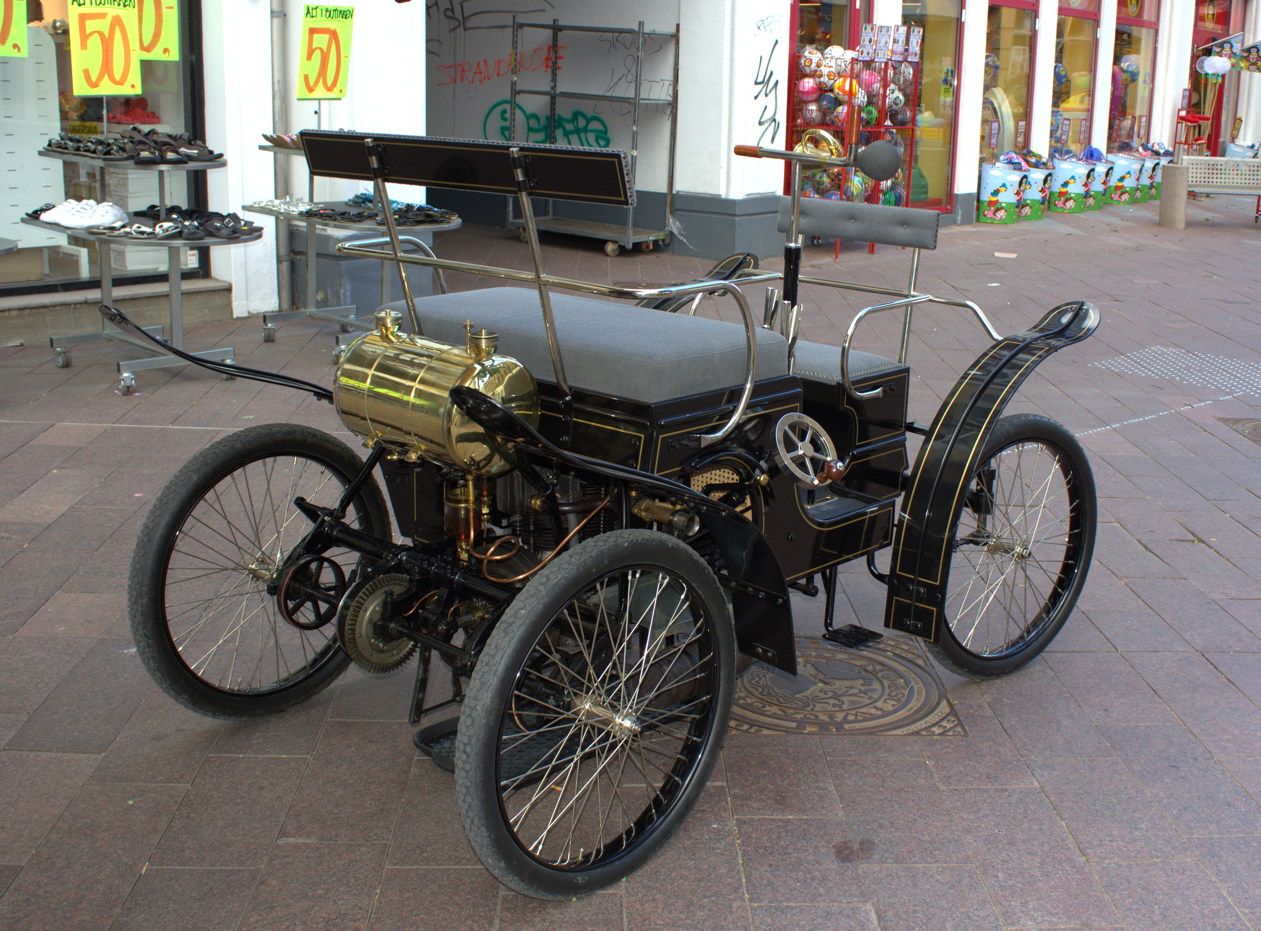 File:Old car from Denmark-BREMS Nr. 1 Type A 1900.--002.jpg ...
