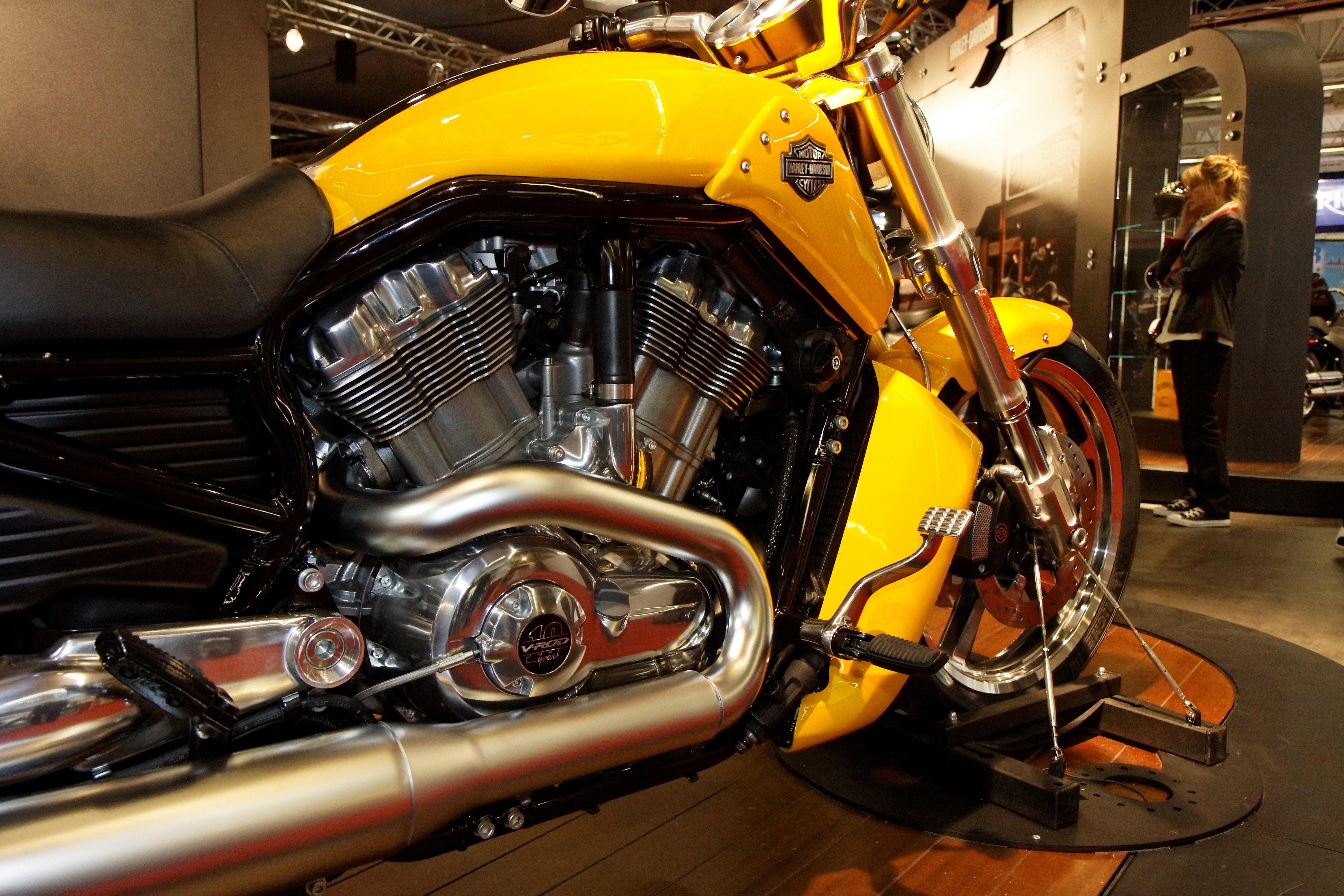 Harley Davidson V Rod Exhaust