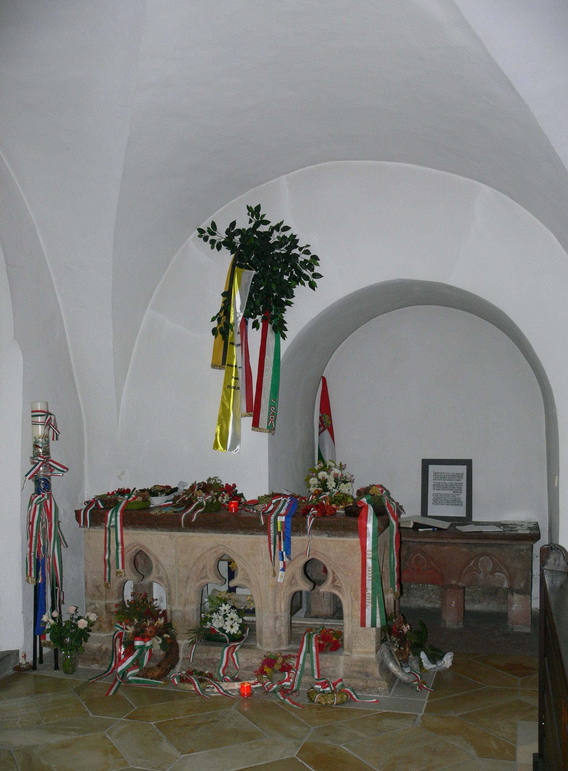 Den salige Gisela av Ungarn, gravmæle i klosterkirken i Niedernburg i Passau