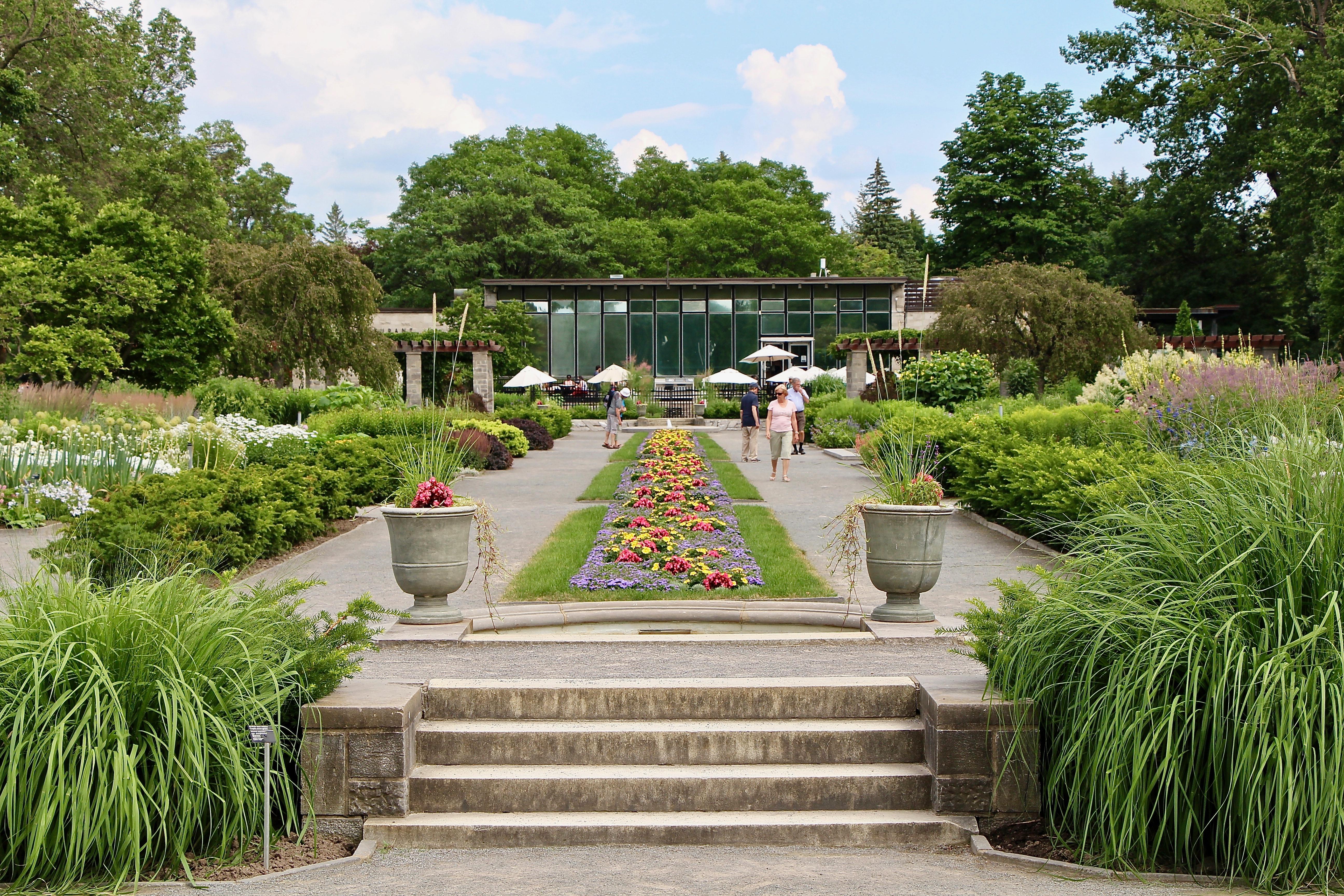 File:Perennial Garden, Montreal Botanical Garden 51