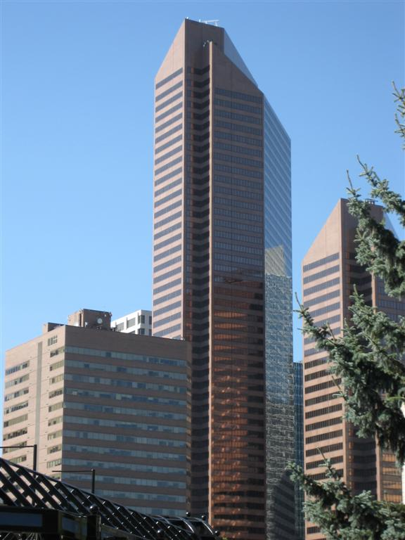 http://upload.wikimedia.org/wikipedia/commons/a/a5/Petro_Canada_West_Tower.jpg