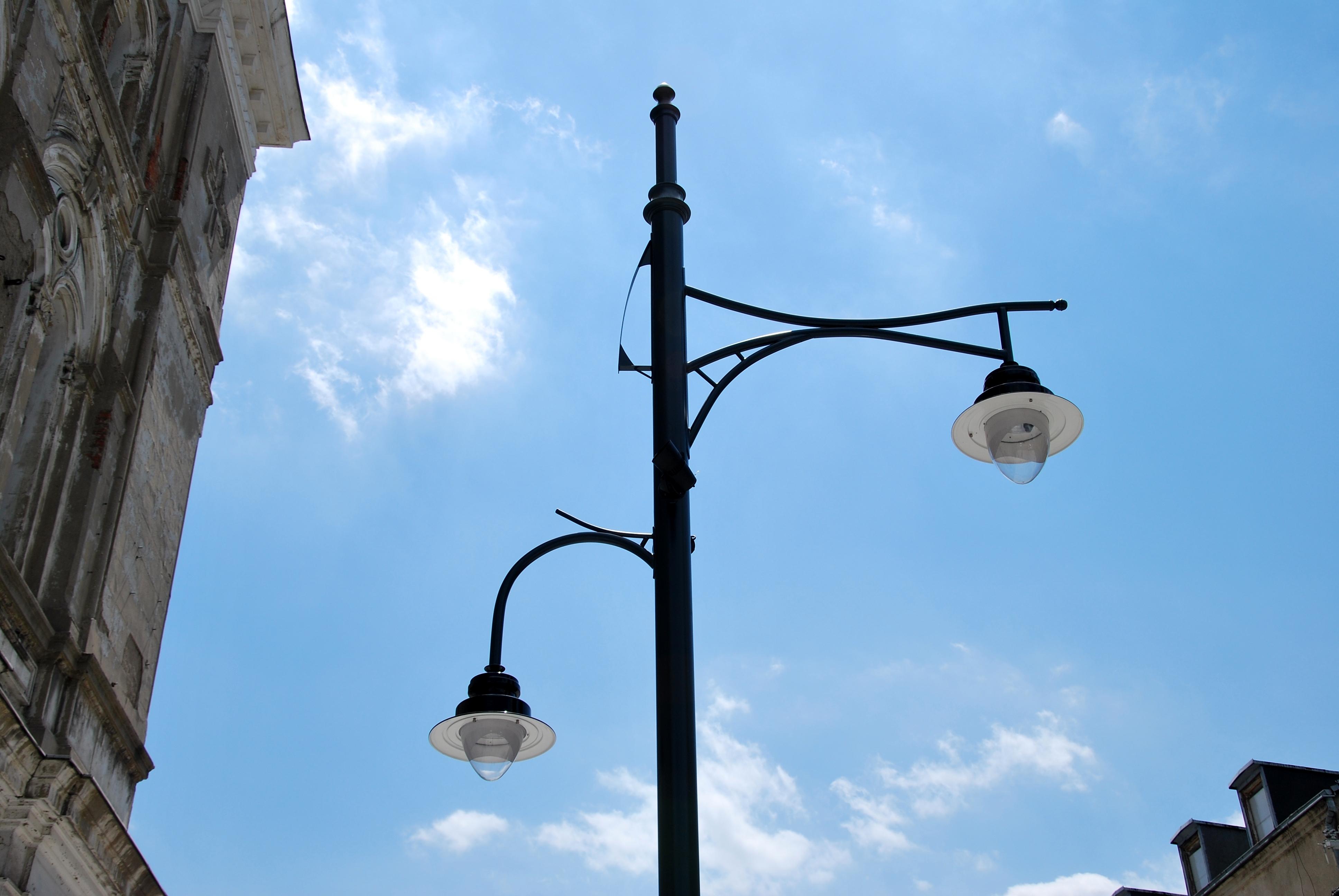 after 2013 renovation, a lamp.jpg Polski: Ulica Piotrkowska po renowacji 2013 - lampa English: Piotrkowska Street after 2013 renovation, a lamp Date
