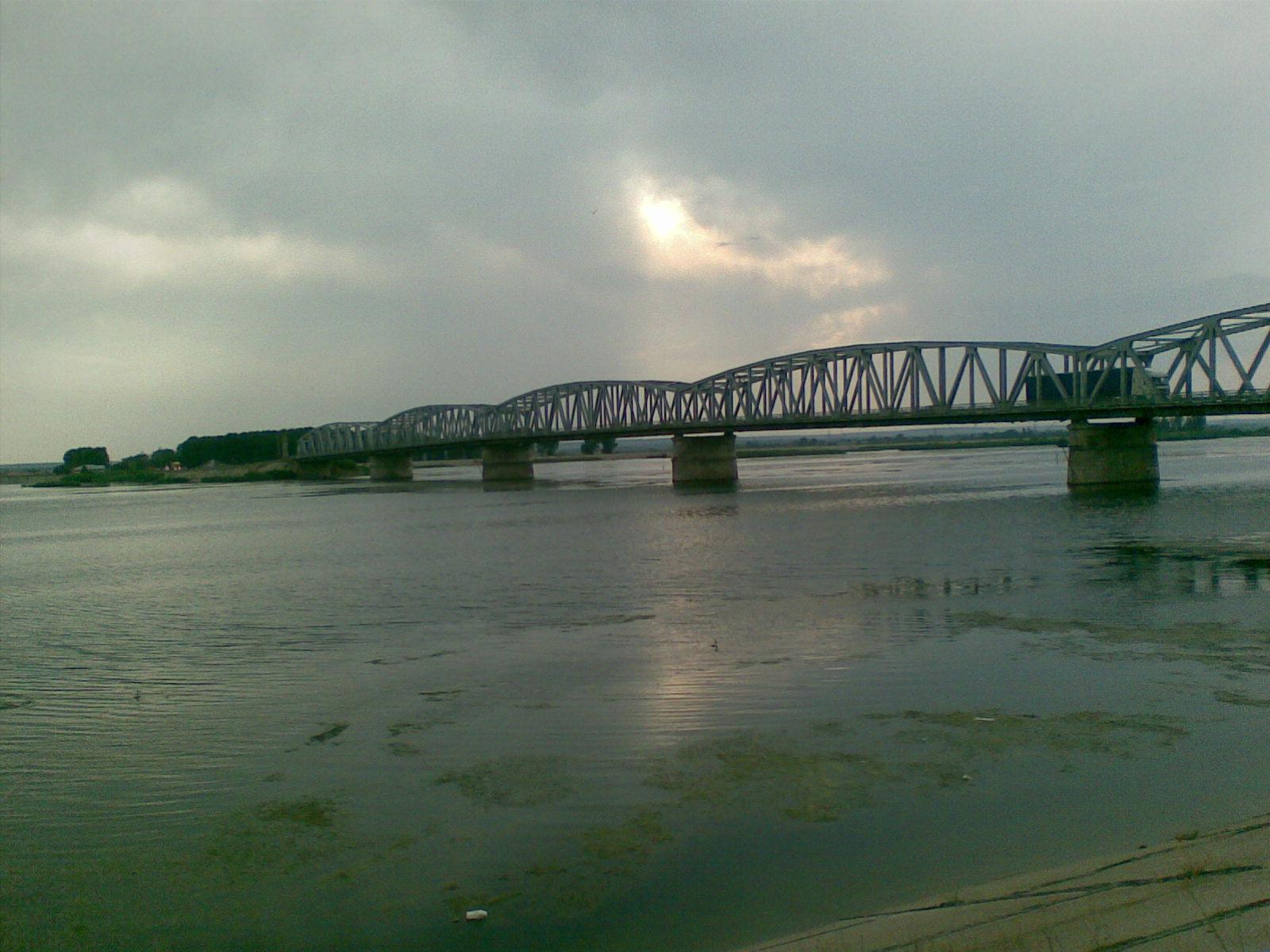 Fişier:Podul Olt.jpg