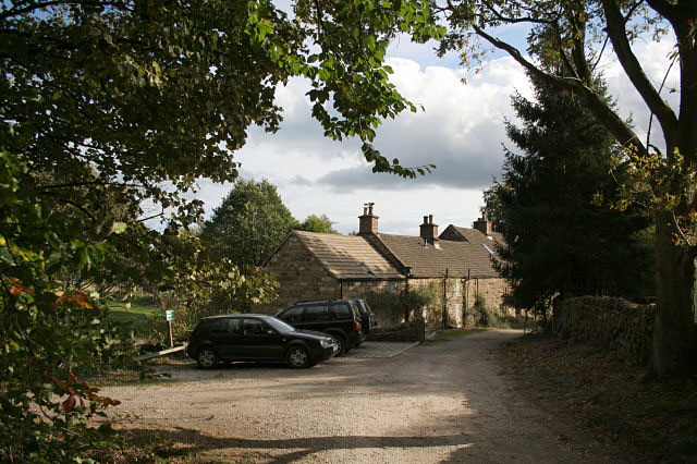 Pond Cottages, Lumsdale - geograph.org.uk - 1522528