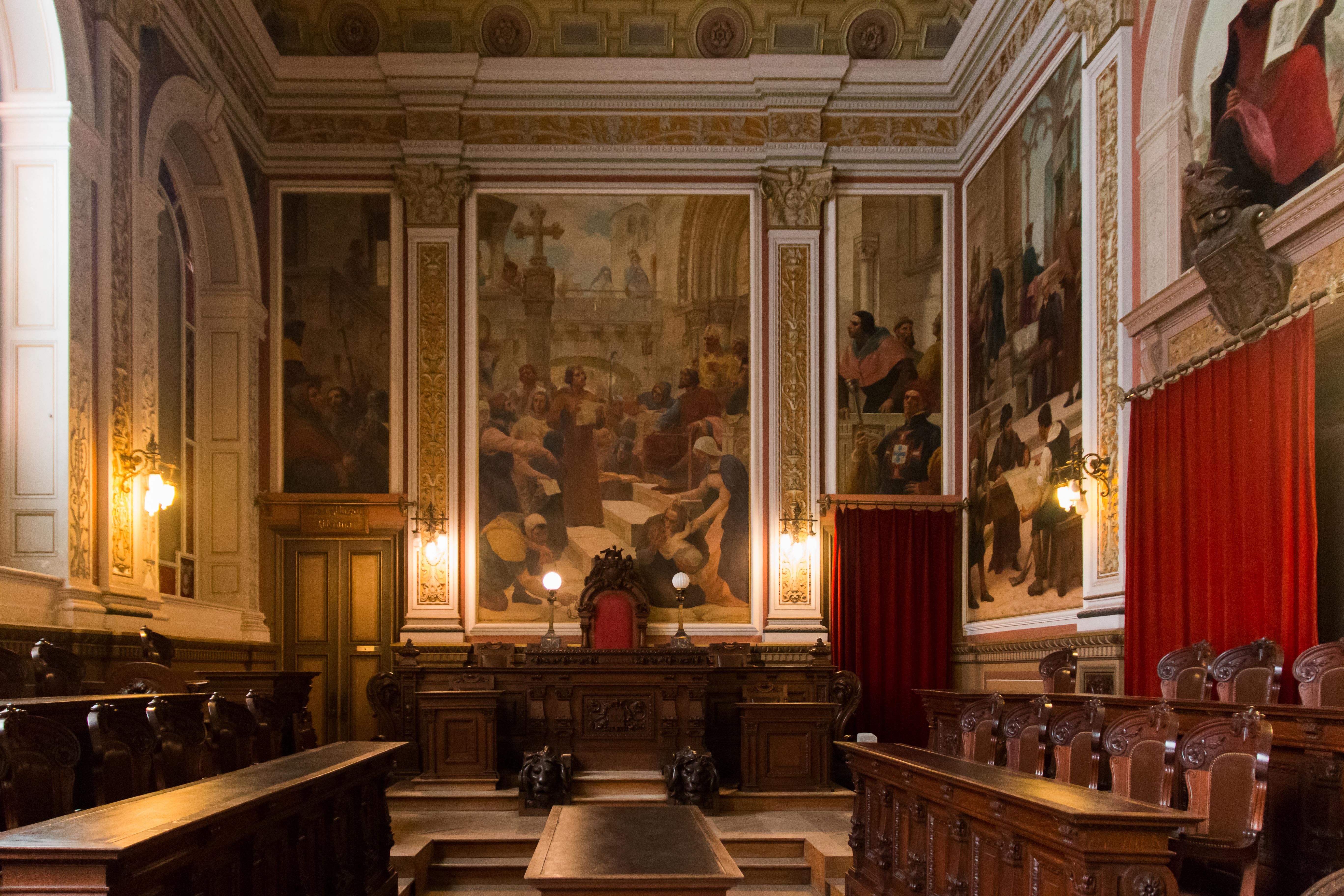 Ficheiro porto pal cio da bolsa sala do tribunal sede do - Tribunal de commerce salon de provence ...