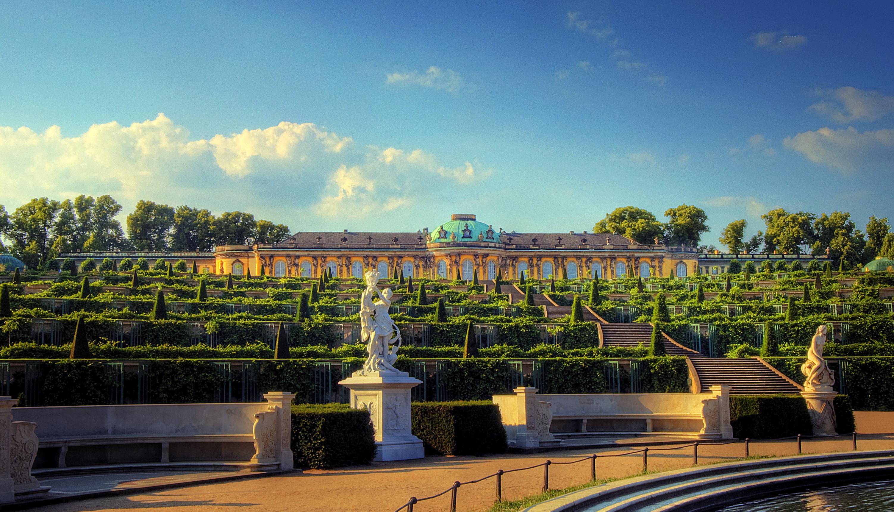 Potsdam Schloss Sanssouci (707912855).jpg