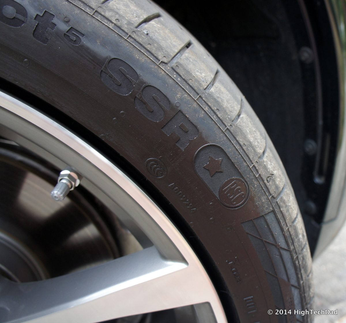 Run Flat Tire Wikipedia >> File Run Flat Tires Flat 2014 Bmw X5 Xdrive 35i 14856879817