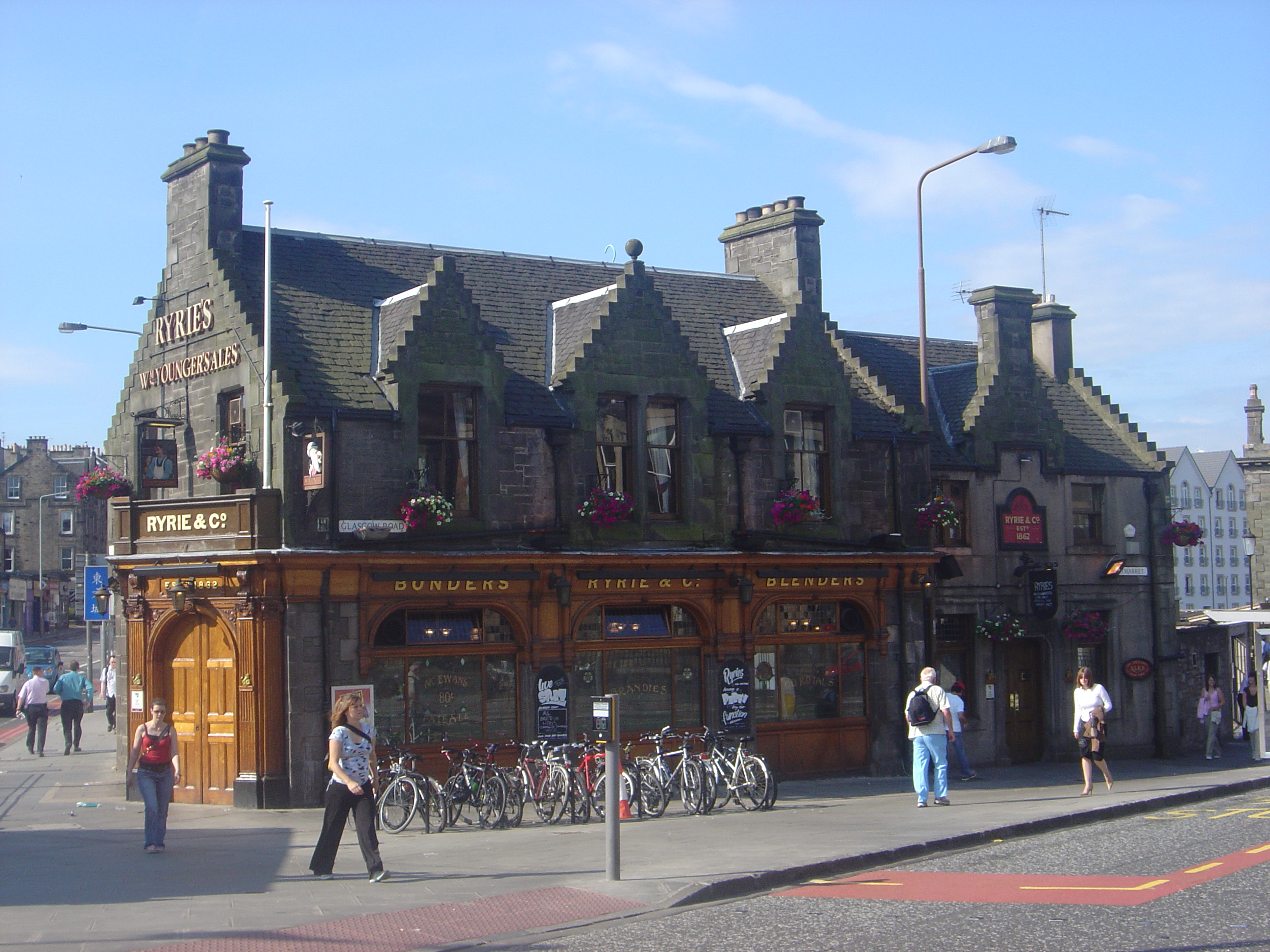 file ryries bar edinburgh haymarket pub wikibooks open books for an open world. Black Bedroom Furniture Sets. Home Design Ideas