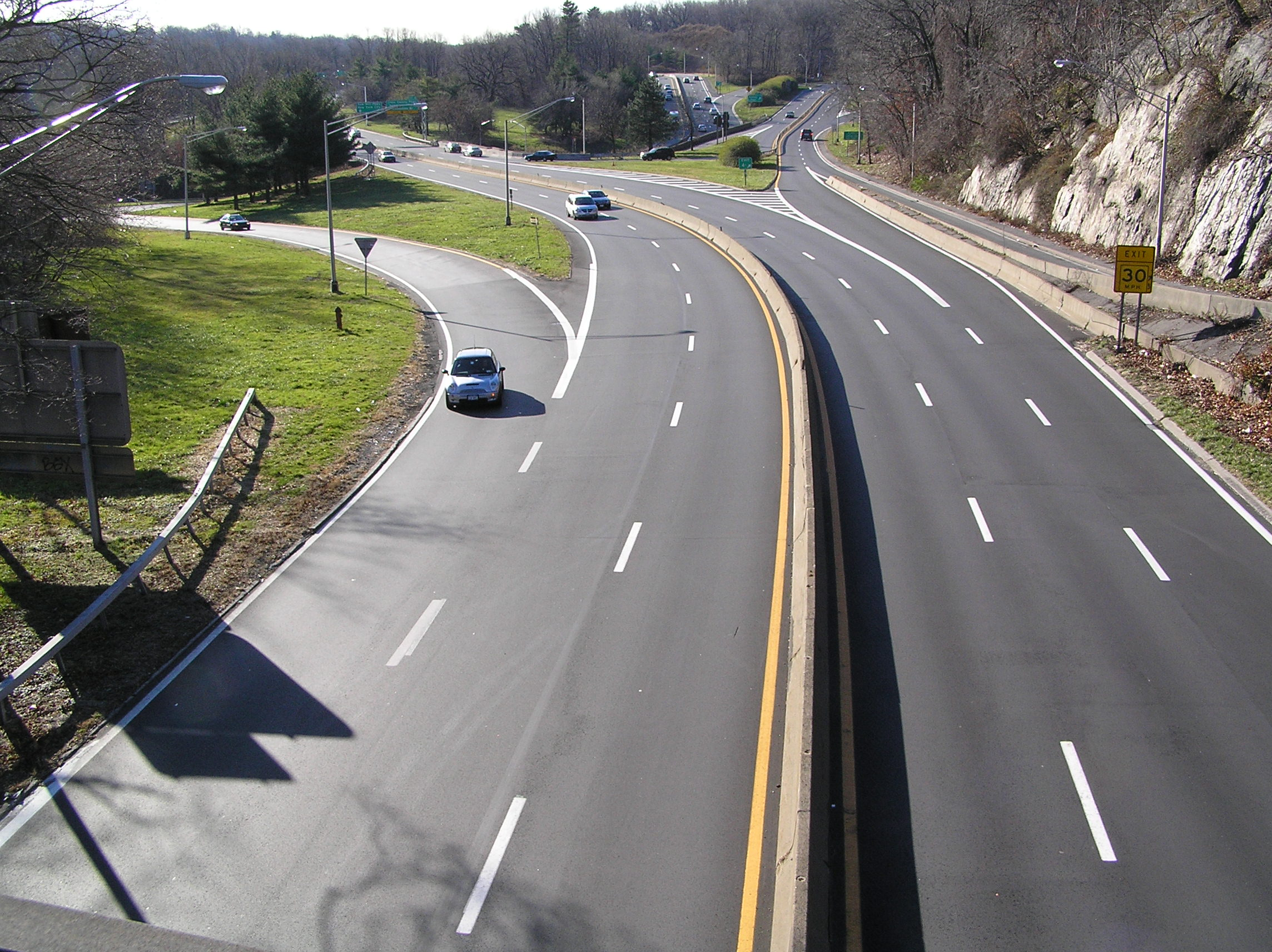 File:Saw Mill Pkwy in Yonkers NY.jpg - Wikimedia Commons