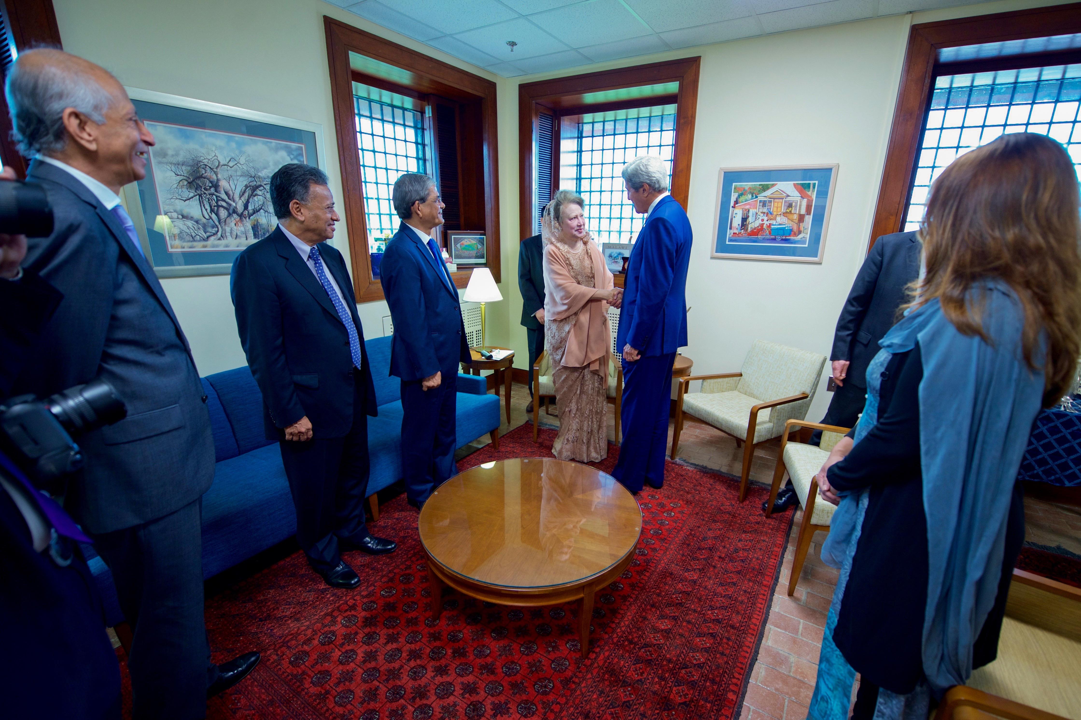 File:Secretary Kerry Greets Begum Khaleda Zia at the U.S. Embassy ...