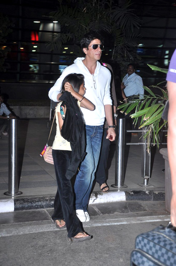 File:Shahrukh Khan with his daughter(2).jpg - Wikimedia ...