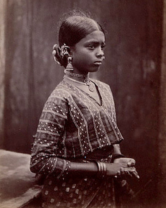 English: Tamil Girl wearing a upper body tunic...
