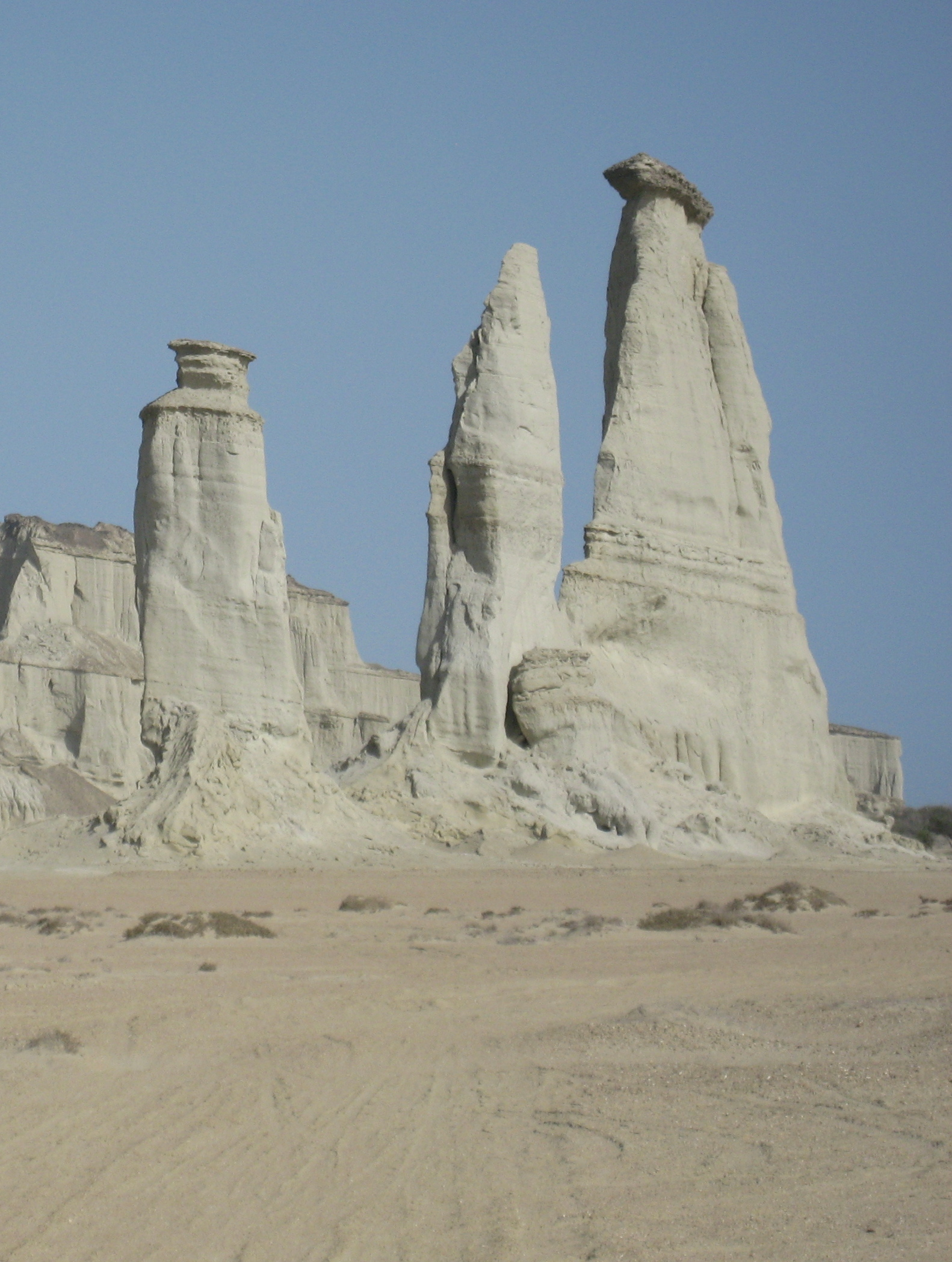 File Three Pillars Or Locally Known As Saahe Padag A