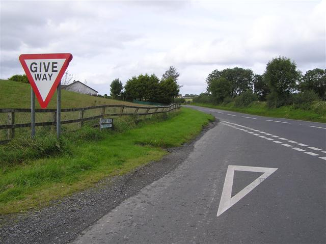 File:Tievenny Road, Crew - geograph.org.uk - 1478564.jpg