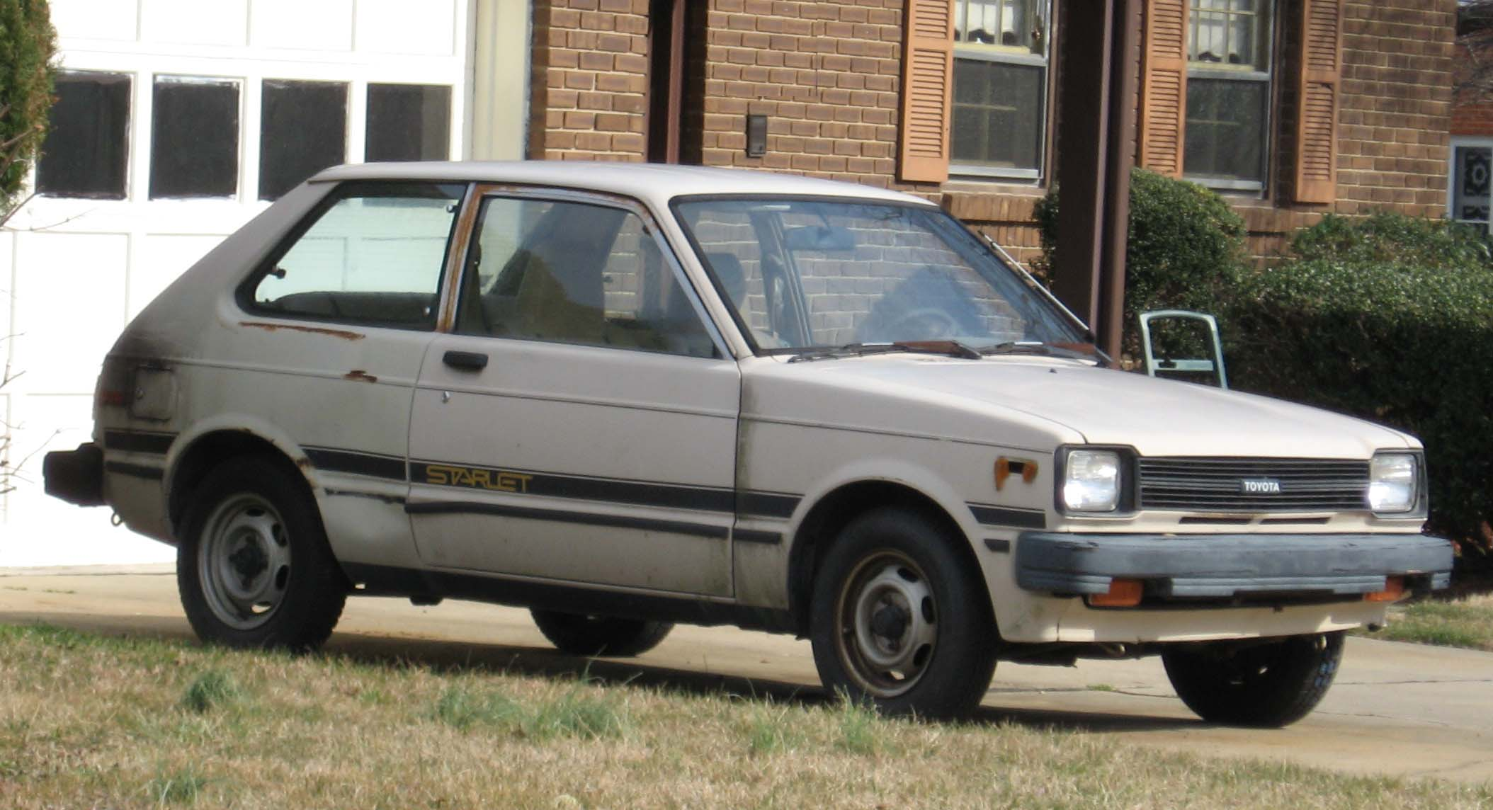 File Toyota Starlet Kp60 1 Jpg Wikimedia Commons