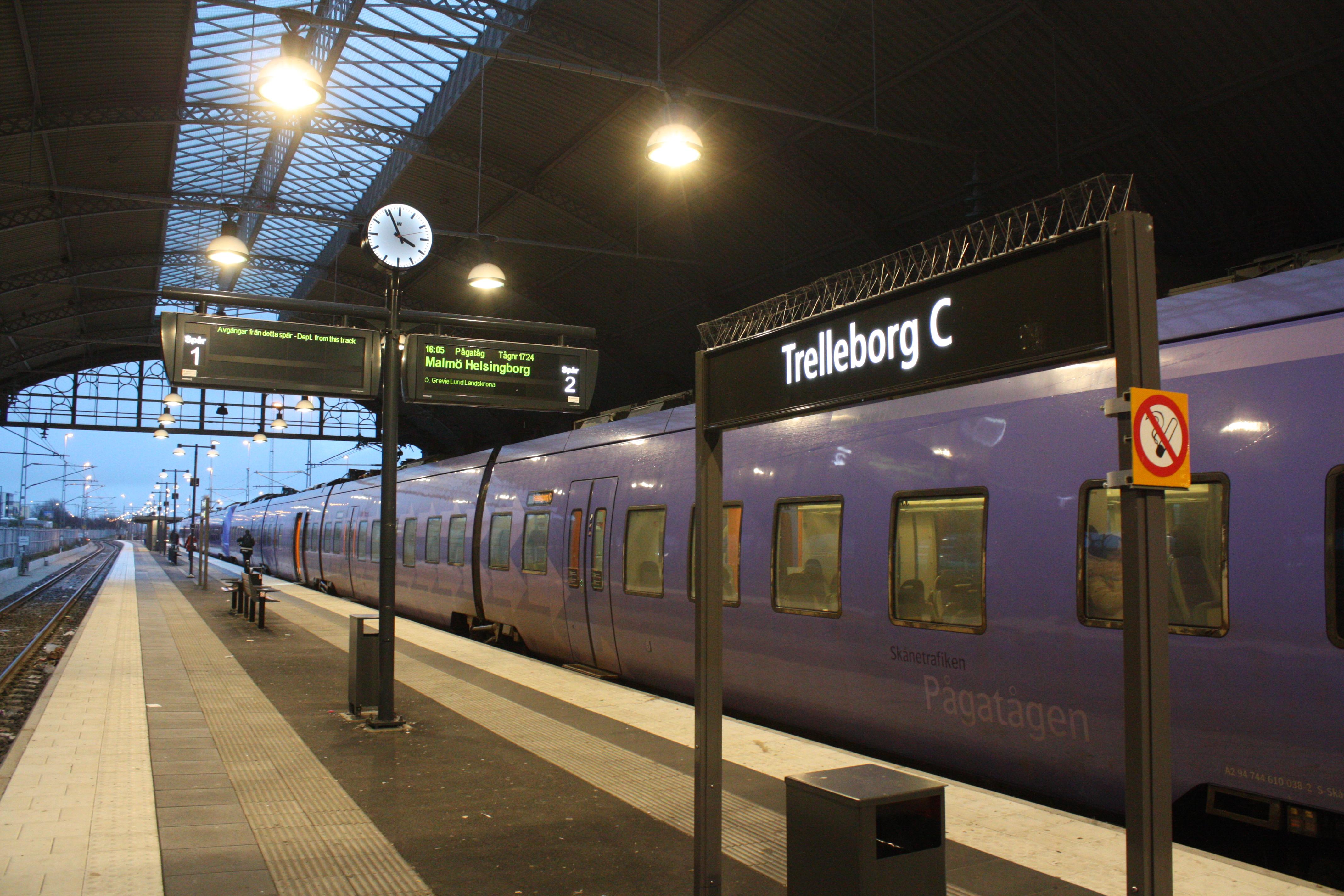 Filetrelleborg Centralstation 2jpg Wikimedia Commons