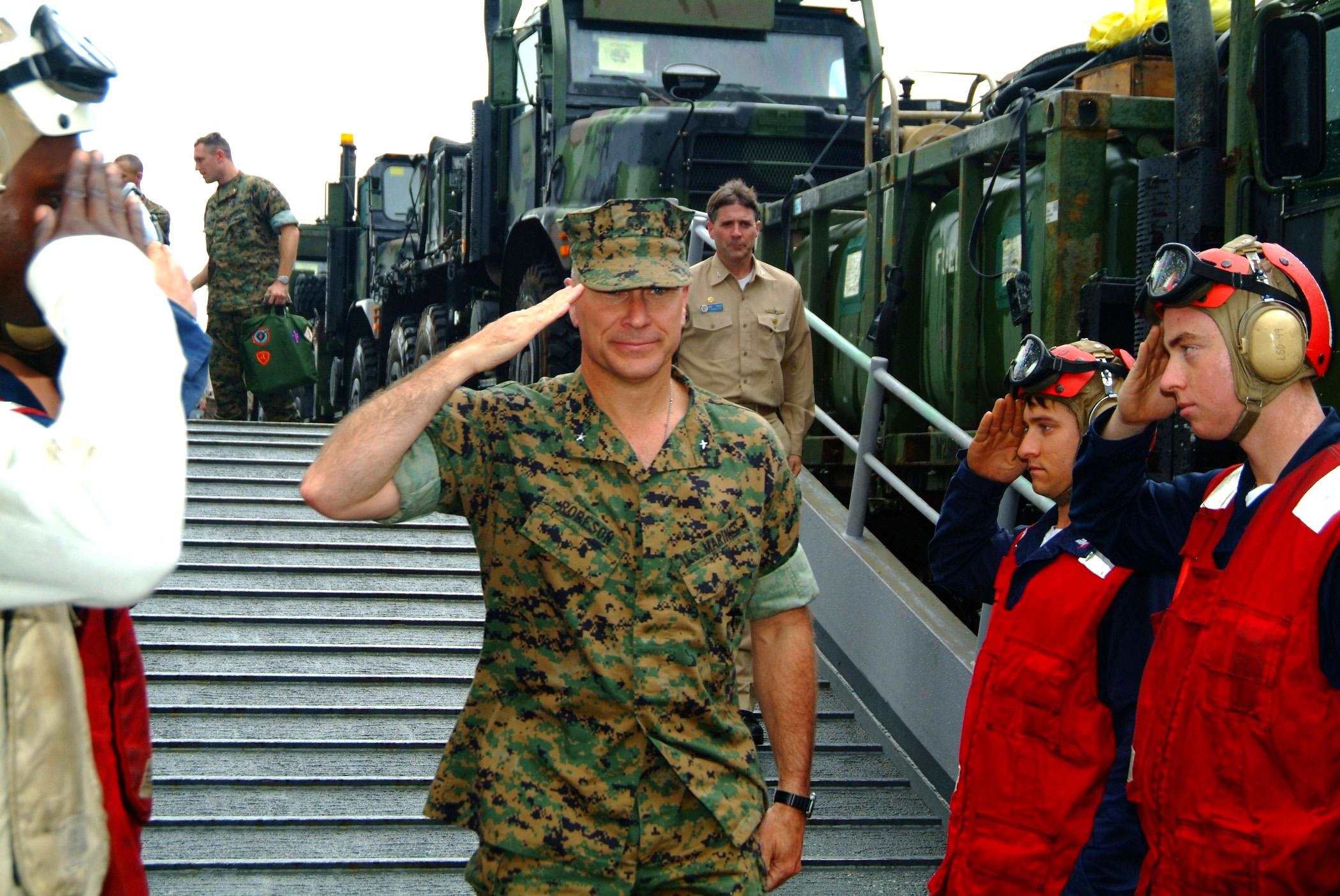 File:US Navy 060225-N-4772B-127 Commanding General, 3rd ...