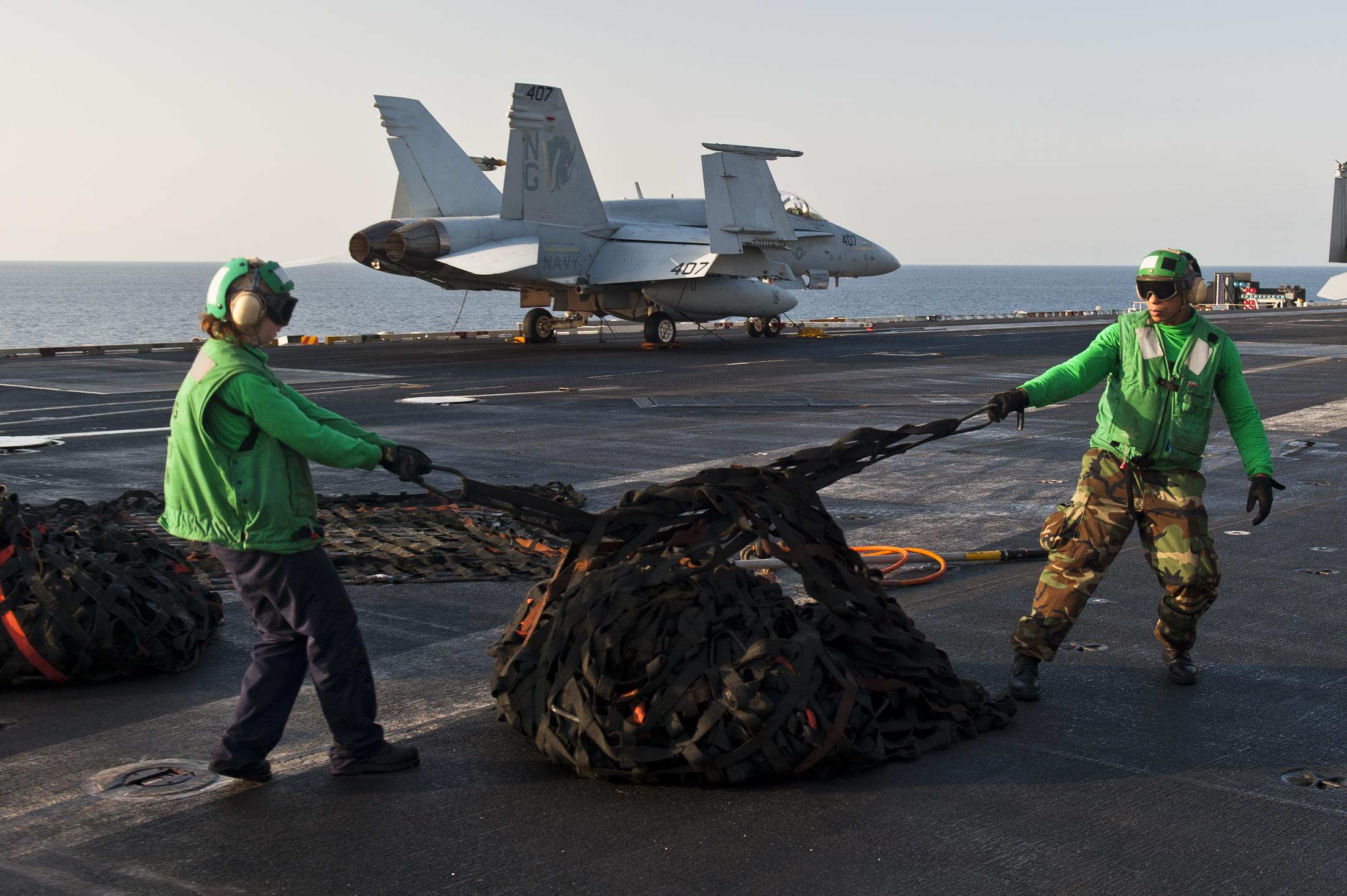 File:US Navy 111013-N-BT887-029 Logistics Specialist Seaman Jeavis ...