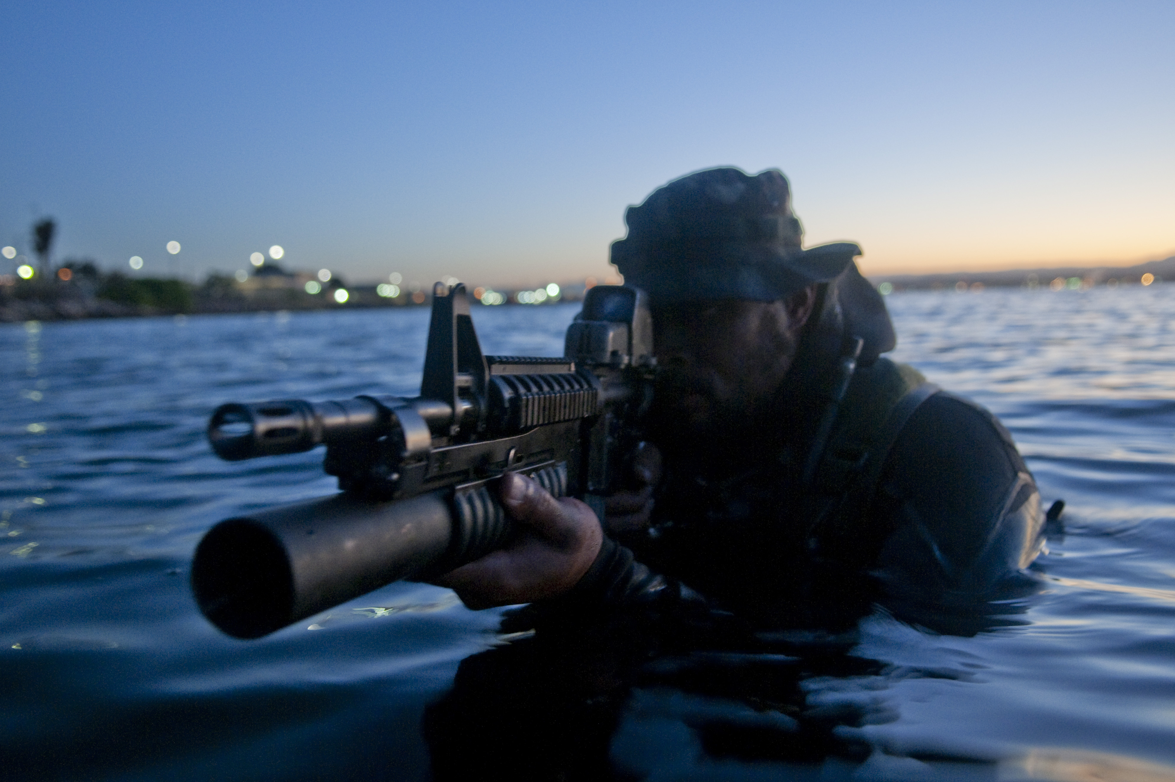 New Maritime Technology for Navy SEALs on the Way  |Navy Seals Emerging From Water