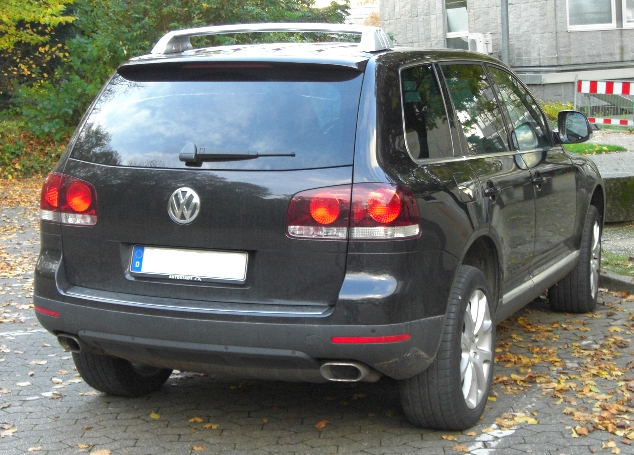 ficheiro vw touareg v10 tdi facelift seit 2007 rear mj jpg wikipedia a enciclopedia libre. Black Bedroom Furniture Sets. Home Design Ideas