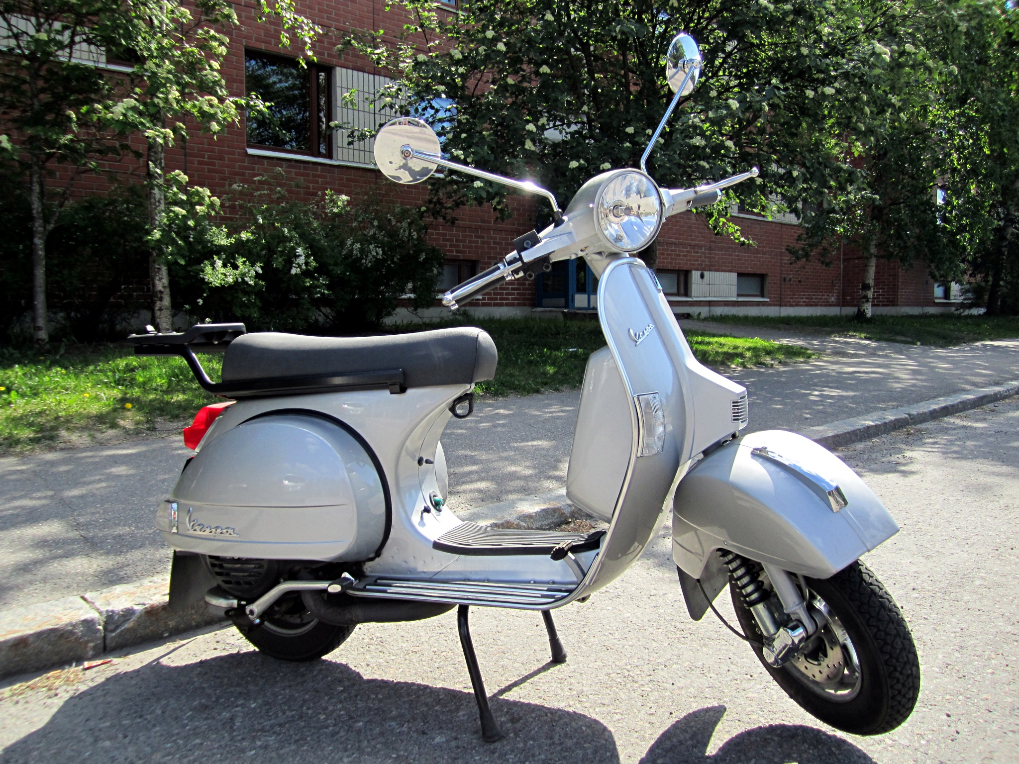 Vespa PX - Wikipedia, the free encyclopedia
