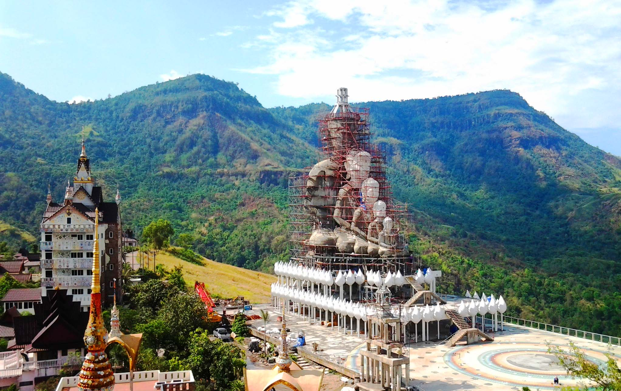 File:Wat Pha Sorn Kaew 13.jpg - Wikimedia Commons