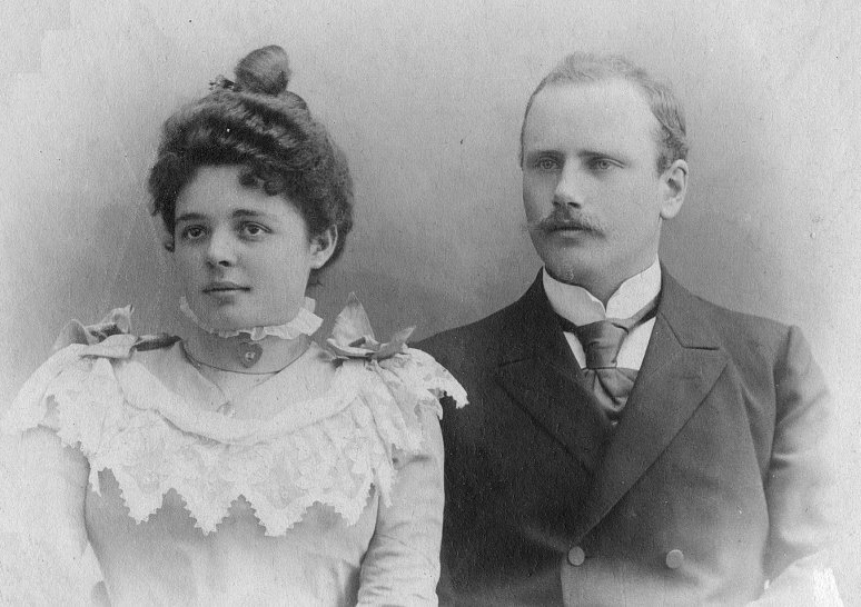 Heinrich and Lilly Wild (1900)