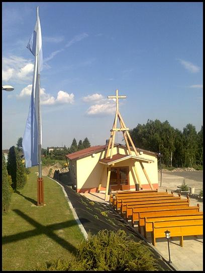 Plik:Zdjęcie kaplicy na Osiedlu 1 MAja.jpg