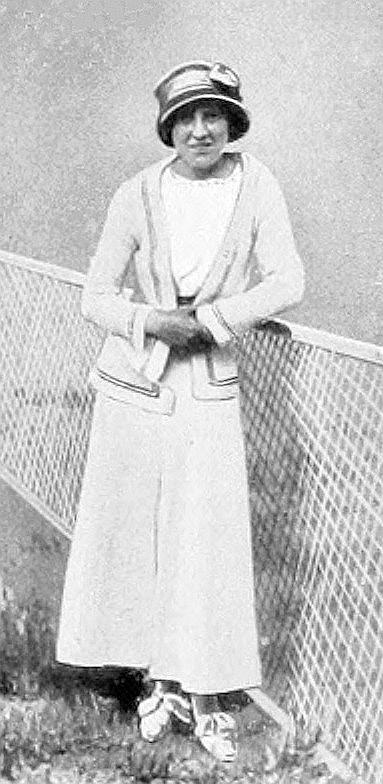 1912_Marguerite_Broquedis.JPG